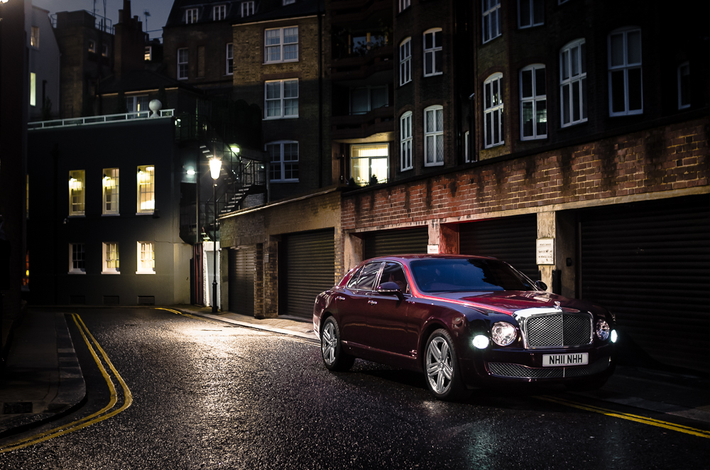Bentley Mulsanne in the Knightbride in London at night