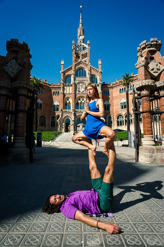 Yoga in Barcelona - mixing body art and photography