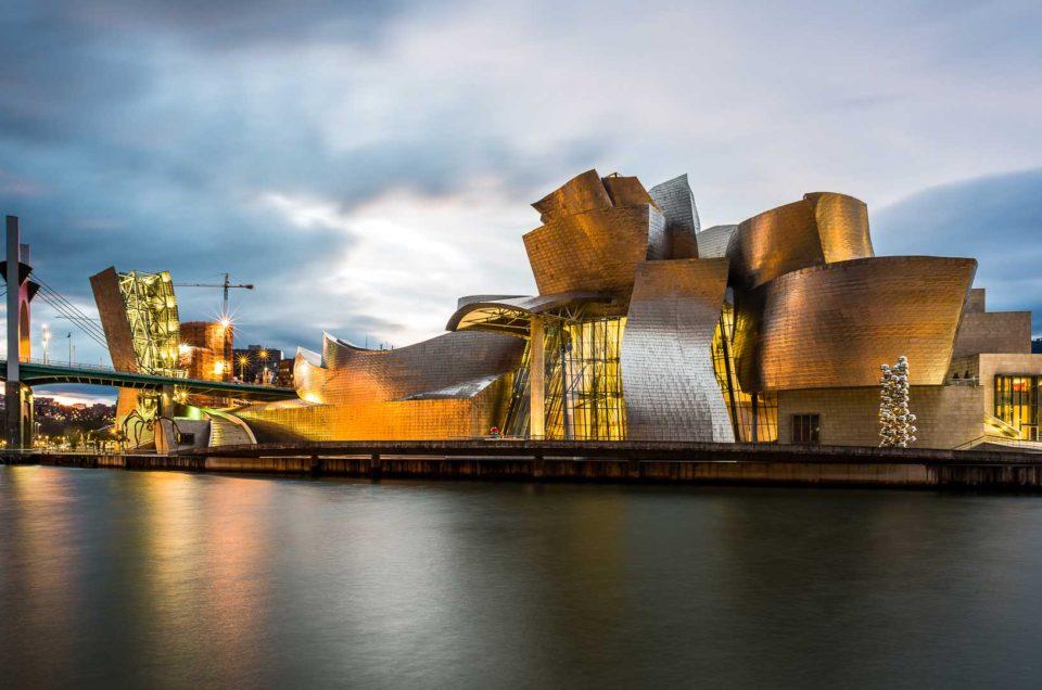 Monumental structure: Guggenheim museum of Bilbao