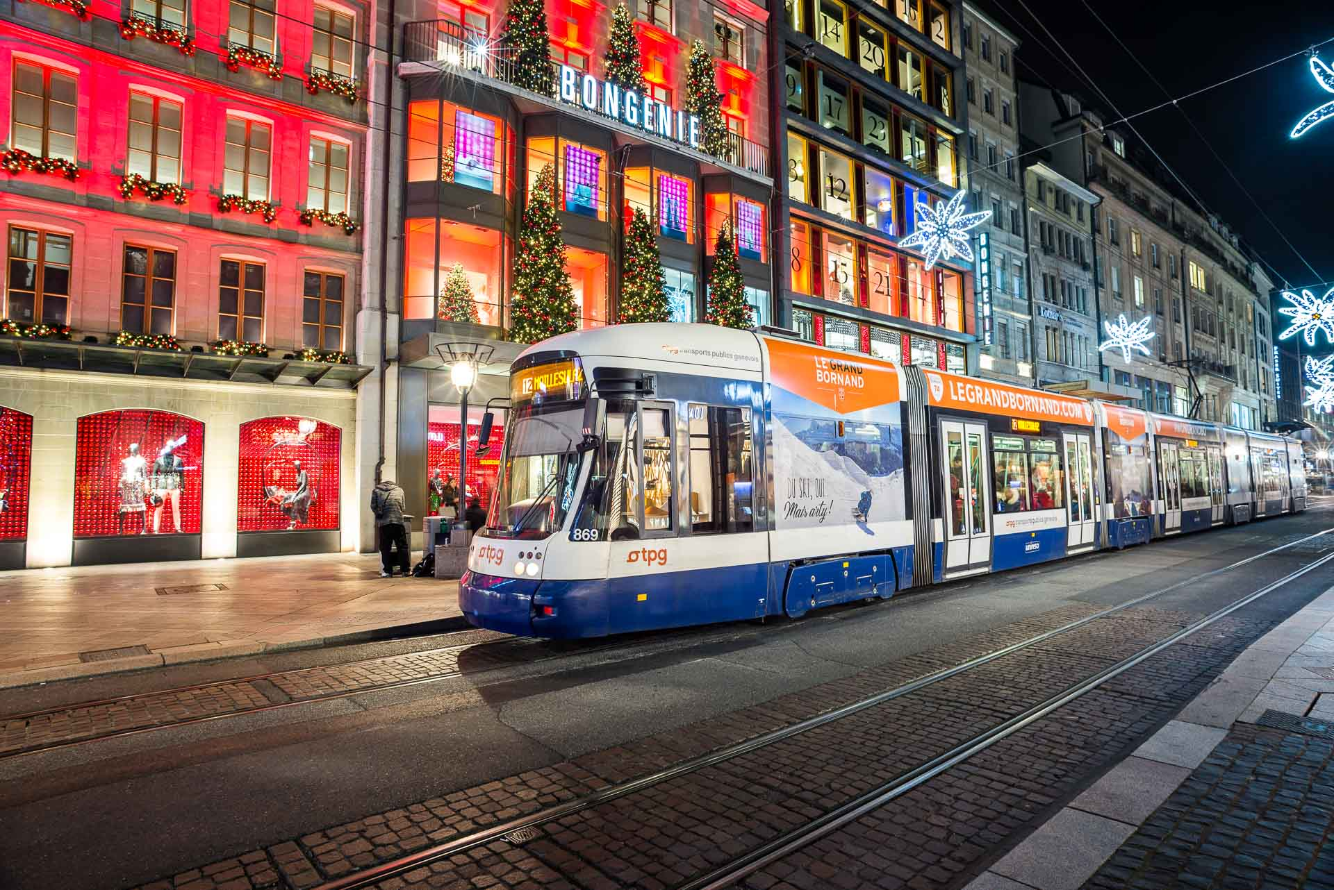 geneva tram at night